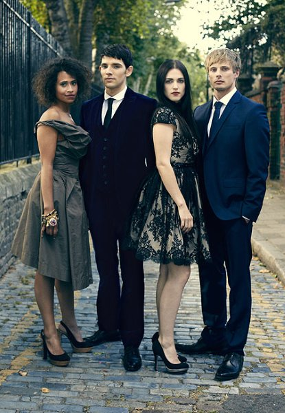 RadioTimes-Photoshoot-merlin-on-bbc-32364270-415-600