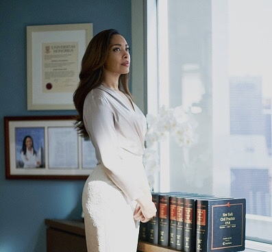 """SUITS -- """"Hitting Home"""" Episode 507 -- Pictured: Gina Torres as Jessica Pearson -- (Photo by: Shane Mahood/USA Network/NBCU Photo Bank)"""