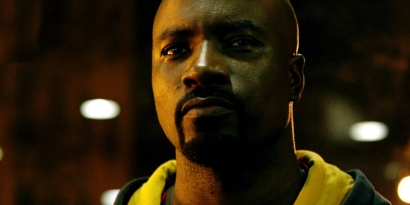 14743913052luke-cage-mike-colter-play-safe